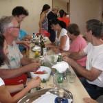 Zagnani udeleženci so se z veseljem lotili priprave jedi.