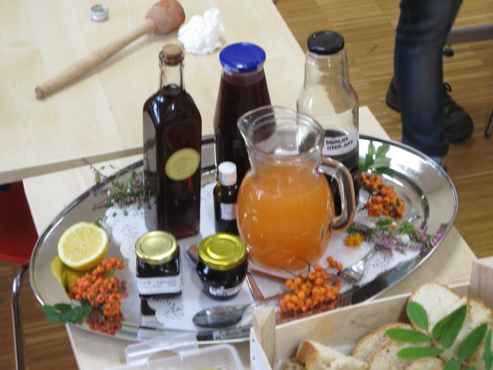 Sveža pijača iz jerebike in druge dobrote za žejne.